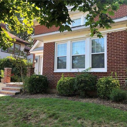 Rent this 4 bed house on 795 Hampton Road in Hempstead, NY 11598