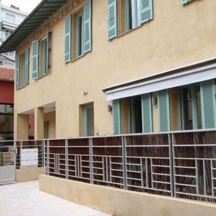 Rent this 2 bed apartment on 82 Rue de France in 06046 Nice, France