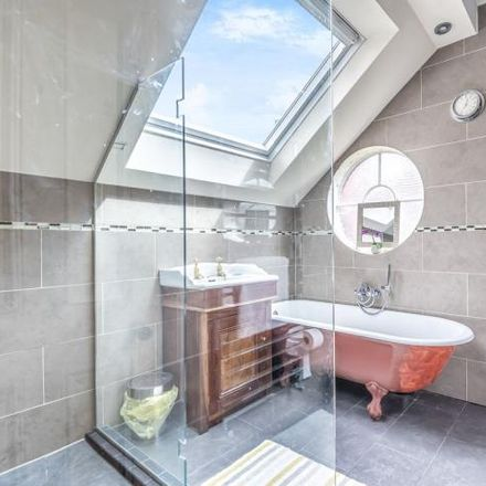 Rent this 4 bed house on Eaglesfield Road in Shooters Hill, London SE18 3HP