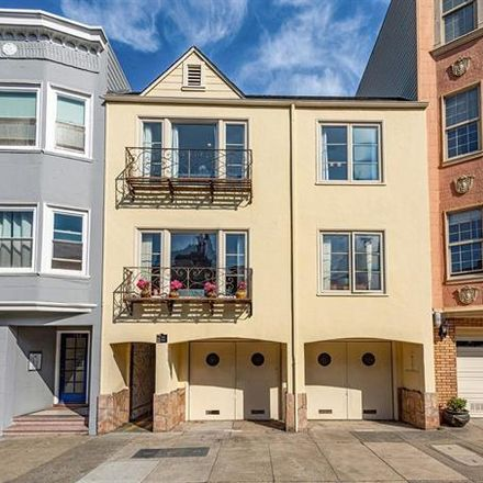 Rent this 3 bed apartment on 1756 Greenwich Street in San Francisco, CA 94123