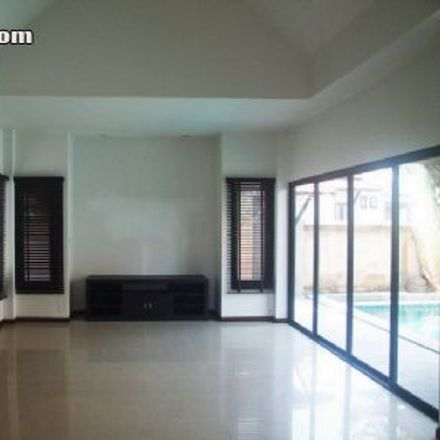 Rent this 4 bed house on Tony's Fitness in Pattaya Tai, Pattaya