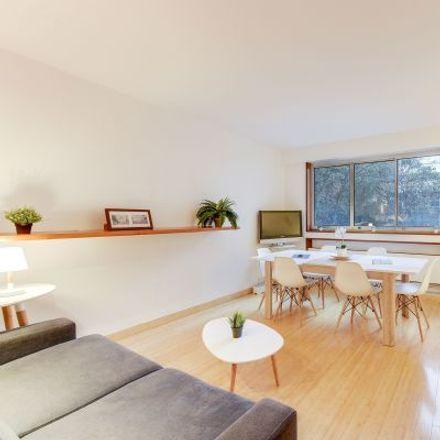 Rent this 3 bed apartment on 92 Rue Saint-Lazare in 75008 Paris, France