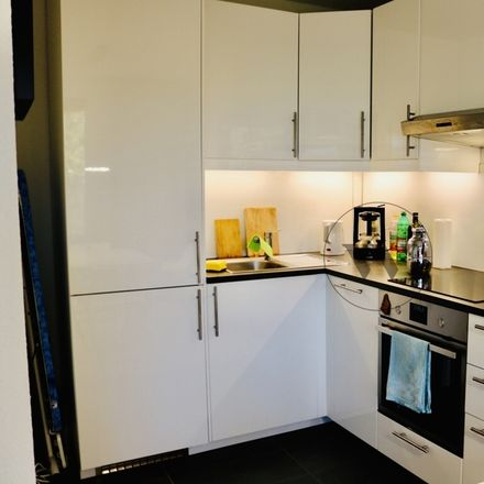 Rent this 3 bed apartment on Kaarster Straße 42 in 40670 Meerbusch, Germany