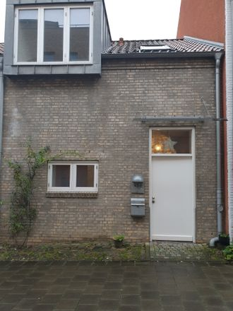 Rent this 2 bed townhouse on 24939