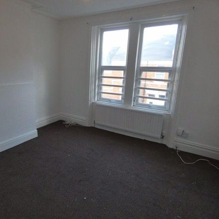 Rent this 3 bed apartment on King Edward Street in Gateshead NE8 3PR, United Kingdom