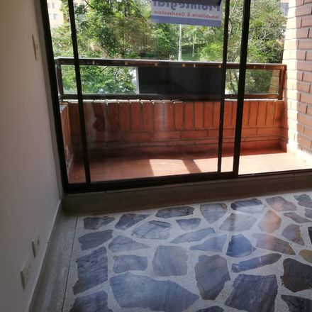 Rent this 3 bed apartment on Centro mercantil Emtelco in Carrera 55, Comuna 15 - Guayabal