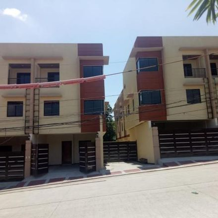 Rent this 3 bed townhouse on Ruby in Quezon City, 1118