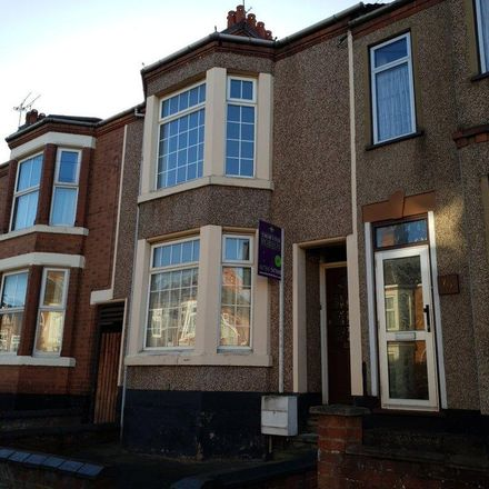 Rent this 3 bed house on Manor Road in Rugby CV21 2TG, United Kingdom