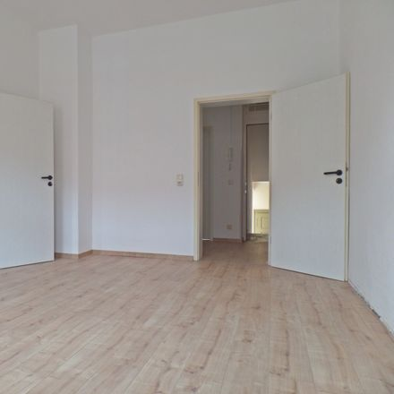 Rent this 3 bed apartment on Parkstraße in 06712 Zeitz, Germany