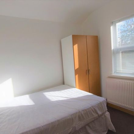 Rent this 1 bed house on 93 Grange Avenue in Reading RG6 1DL, United Kingdom