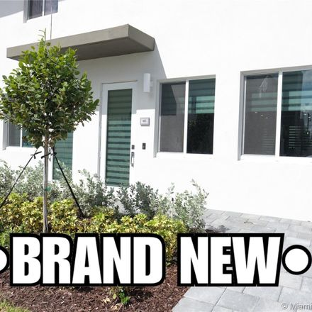 Rent this 3 bed condo on Doral Pkwy in Miami, FL