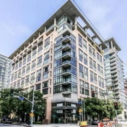 Rent this 1 bed condo on starbucks in 1111 South Grand Avenue, Los Angeles