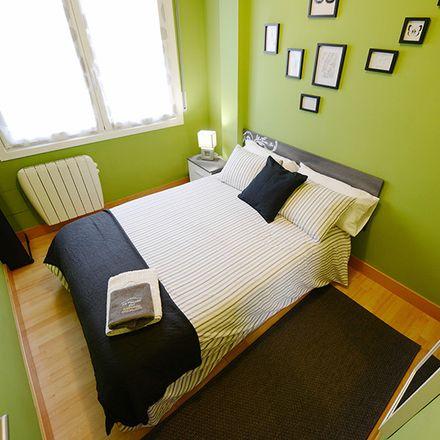 Rent this 2 bed room on Larraskitu etorbidea in 10, 48002 Bilbao