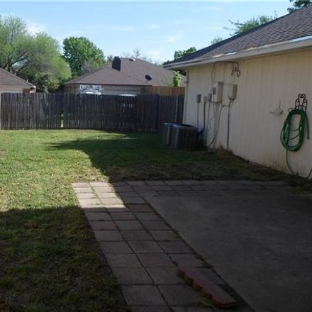 Rent this 3 bed house on 1652 Kingspoint Drive in Carrollton, TX 75007