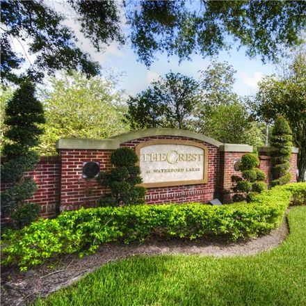 Rent this 3 bed condo on Crest Pines Dr in Orlando, FL
