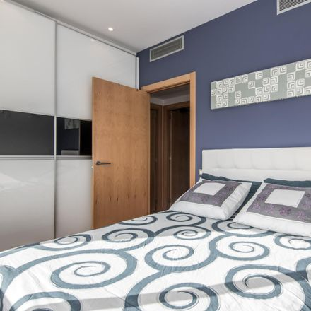 Rent this 2 bed room on carrer de Neus Català in 08930 Sant Adrià de Besòs, Spain