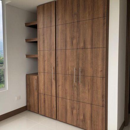 Rent this 3 bed apartment on Carrera 103 in Comuna 22, 760032 Perímetro Urbano Santiago de Cali