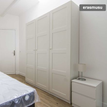Rent this 4 bed room on Rue Loubet in 93200 Saint-Denis, France
