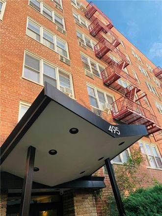 Rent this 1 bed condo on E 7th St in Brooklyn, NY