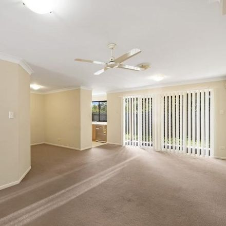 Rent this 3 bed townhouse on Deception Bay
