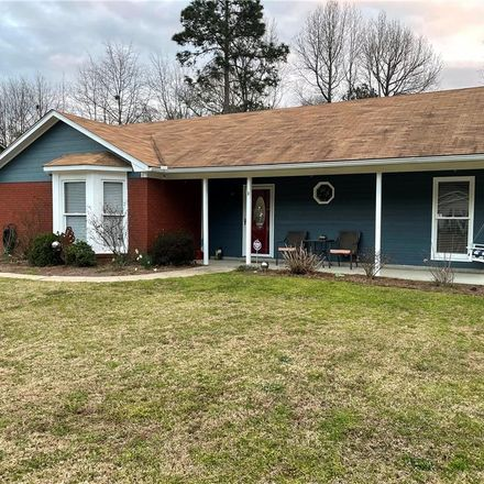 Rent this 3 bed house on Lee Road 553 in Phenix City, AL