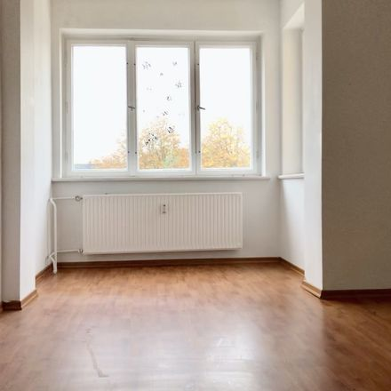 Rent this 2 bed apartment on Windsteiner Weg 22 in 14165 Berlin, Germany