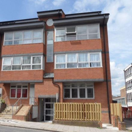 Rent this 2 bed apartment on Luton Sorting Office in Dunstable Road, Luton LU1 1BB
