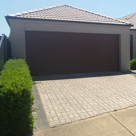 Rent this 3 bed house on 34 Drysdale Crescent