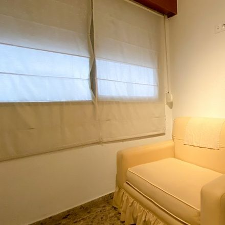 Rent this 4 bed apartment on Carrer de Murla in 46006 Valencia, Spain