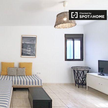 Rent this 1 bed apartment on Hamburguesería Don Oso in Calle de la Cruz, 26