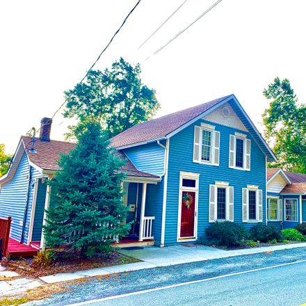 Rent this 4 bed apartment on 716 Hudson Street in Hawley, PA 18428