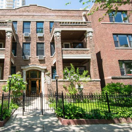 Rent this 3 bed townhouse on 912-914 West Winona Street in Chicago, IL 60640