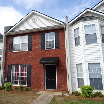 Rent this 3 bed townhouse on 126 Chastain Loop in Newnan, GA 30263