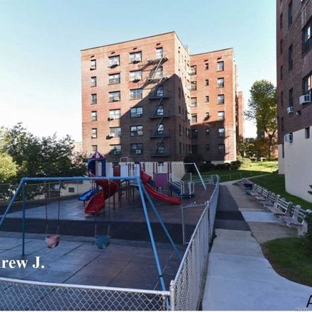 Rent this 1 bed condo on Union Street in New York, NY 11354