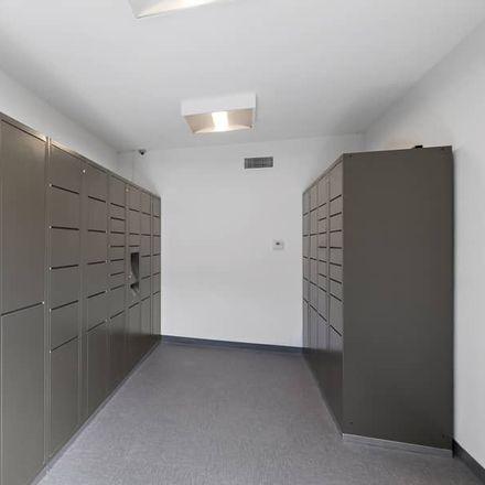 Rent this 3 bed apartment on 74 East Avenida de Las Flores in Thousand Oaks, CA 91360