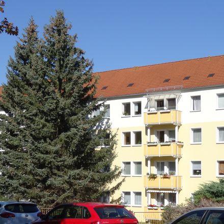 Rent this 3 bed apartment on Pestalozzistraße 77 in 08412 Werdau, Germany