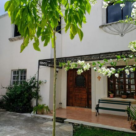Rent this 6 bed room on Calle 38 107 in Buenavista, 97127 Mérida