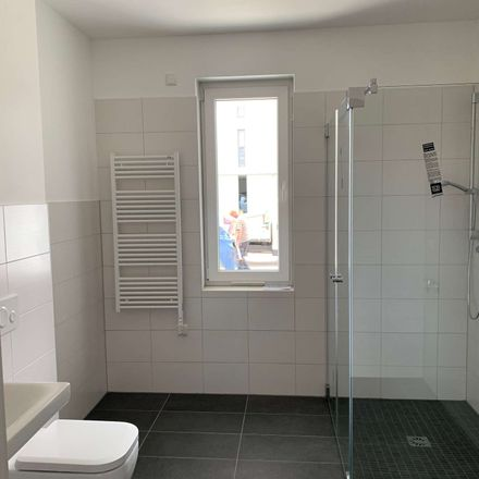 Rent this 2 bed apartment on Ulmenring 43 in 17033 Neubrandenburg, Germany