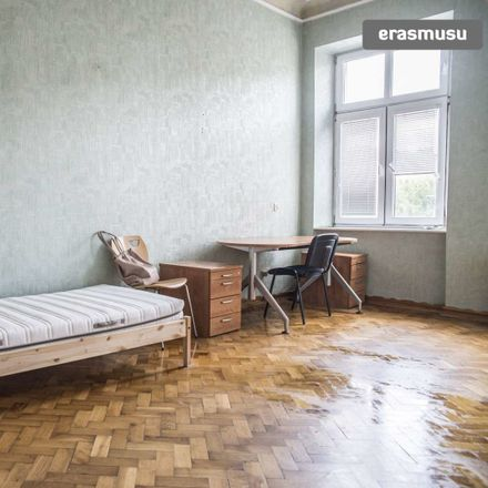 Rent this 3 bed room on Andrzeja Struga in 90-001 Łódź, Polonia