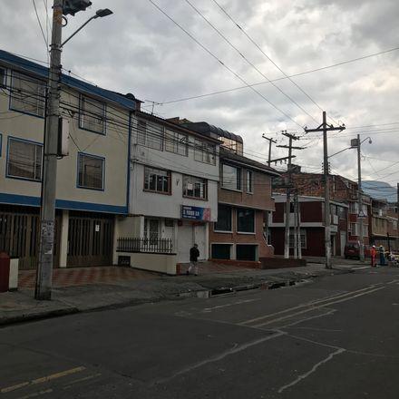 Rent this 9 bed apartment on Carrera 37B in Localidad Puente Aranda, 111631 Bogota