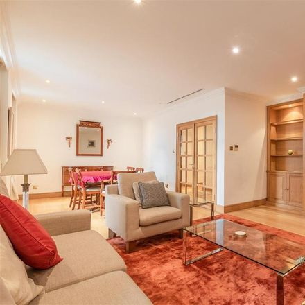 Rent this 3 bed apartment on Aldford House in Aldford Street, London W1K 7TX