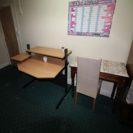 Rent this 1 bed room on Bradford Road in Kirklees HD1 6EW, United Kingdom
