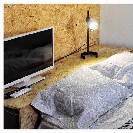 Rent this 2 bed room on R. Luís Montez Mattoso in 2005 Santarém, Portugal