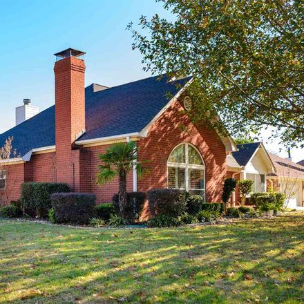 Rent this 3 bed house on 406 Lakewood Drive in Longview, TX 75604