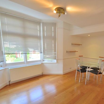 Rent this 2 bed apartment on The Mall in London N14 6LN, United Kingdom