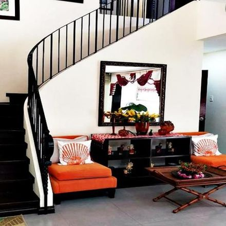 Rent this 4 bed house on Las Piñas in 1751, Philippines