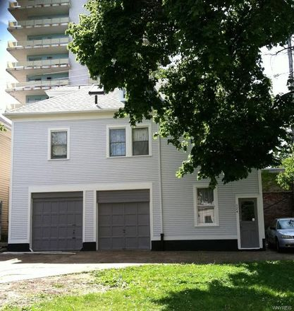 Rent this 3 bed apartment on 526 Linwood Avenue in Buffalo, NY 14209