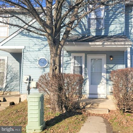 Rent this 3 bed townhouse on 212 White Plains Ct in Newark, DE