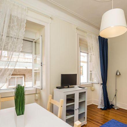 Rent this 2 bed apartment on Rua Maestro Pedro de Freitas Branco in 1250-100 Lisbon, Portugal