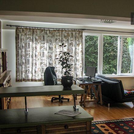 Rent this 0 bed apartment on Rue Vandenhoven - Vandenhovenstraat 87 in 1200 Woluwe-Saint-Lambert - Sint-Lambrechts-Woluwe, Belgium